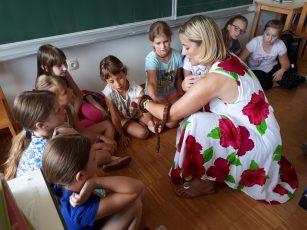 Breznogi obisk pri šentjurskih četrtošolcih