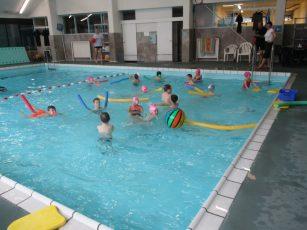 Plavalni tečaj prvošolcev DE Adamičeva