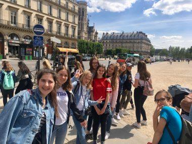 Sončen dan v Parizu