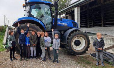 Na kmetiji je lepo in tretješolci to vedo!